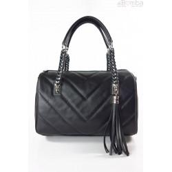 Włoski pikowany kuferek,łańcuszek ,skóra savage czarny KCH25N